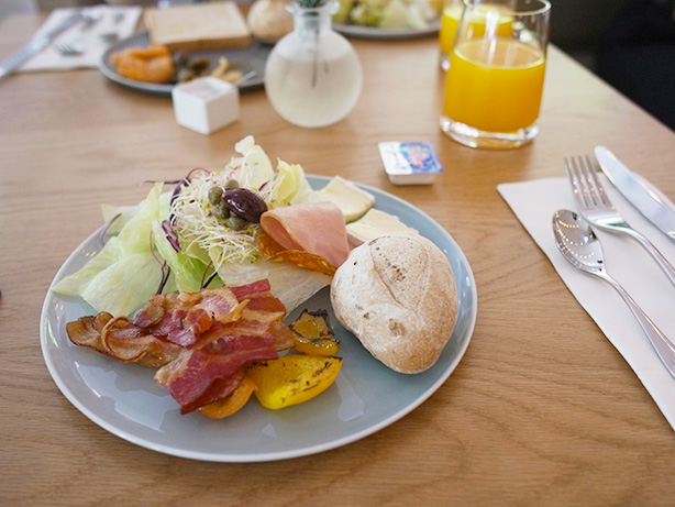 amba_zhongshan_breakfast.1
