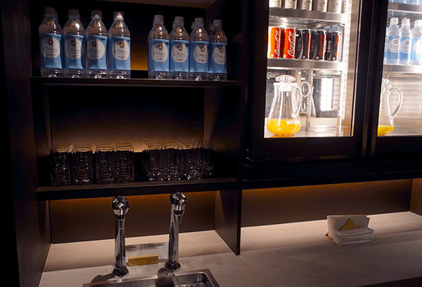 ana_hnd_gate_114_lounge.21