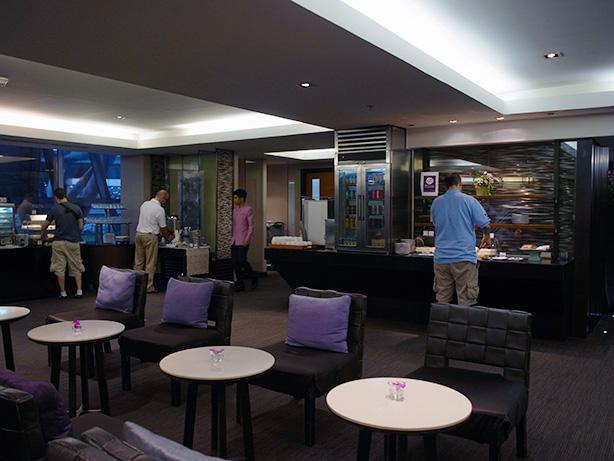 バンコク スワンナプーム空港 国内線用 タイ航空 ラウンジ