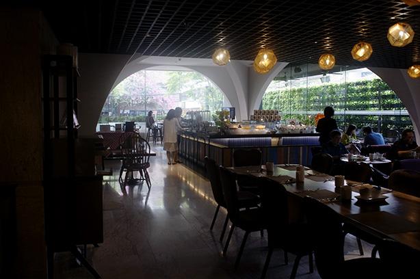doubletree_sukhumvit_bangkok_breakfast.1