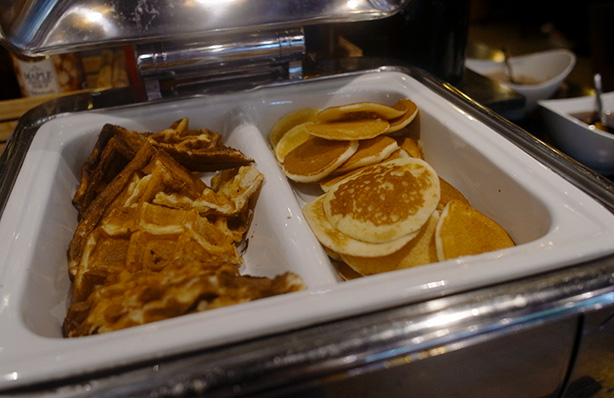doubletree_sukhumvit_bangkok_breakfast.7